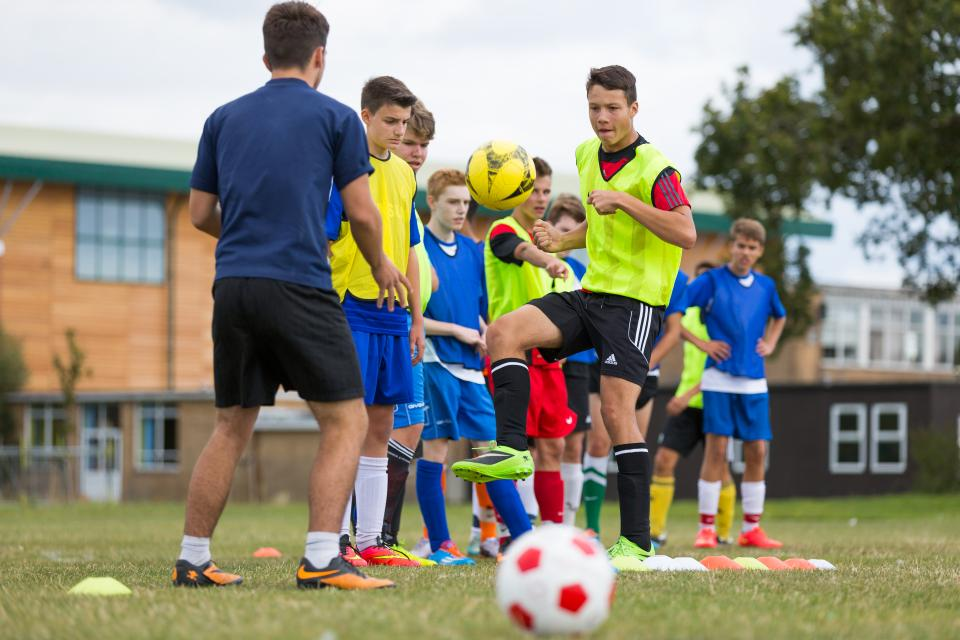 Летний футбольный лагерь в Борнмуте!
